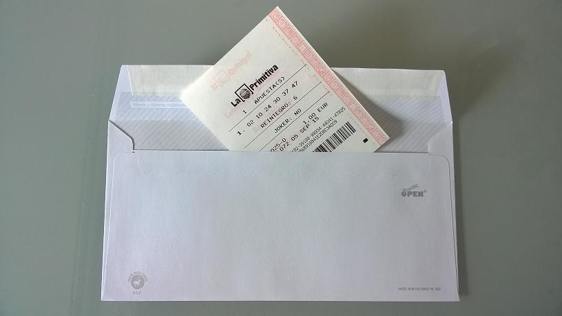 Foto del sexto regalo original de boda: billete de loteria primitiva